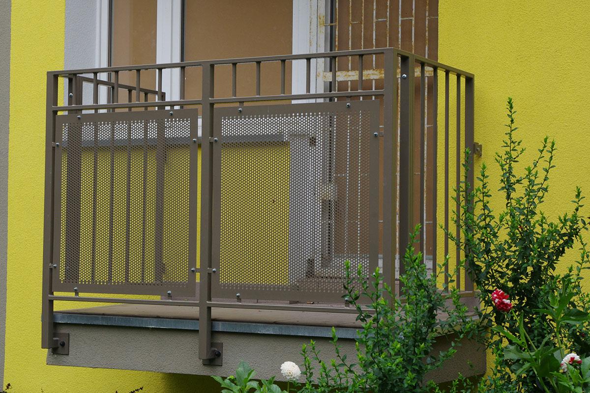 blachy perforowane balkon