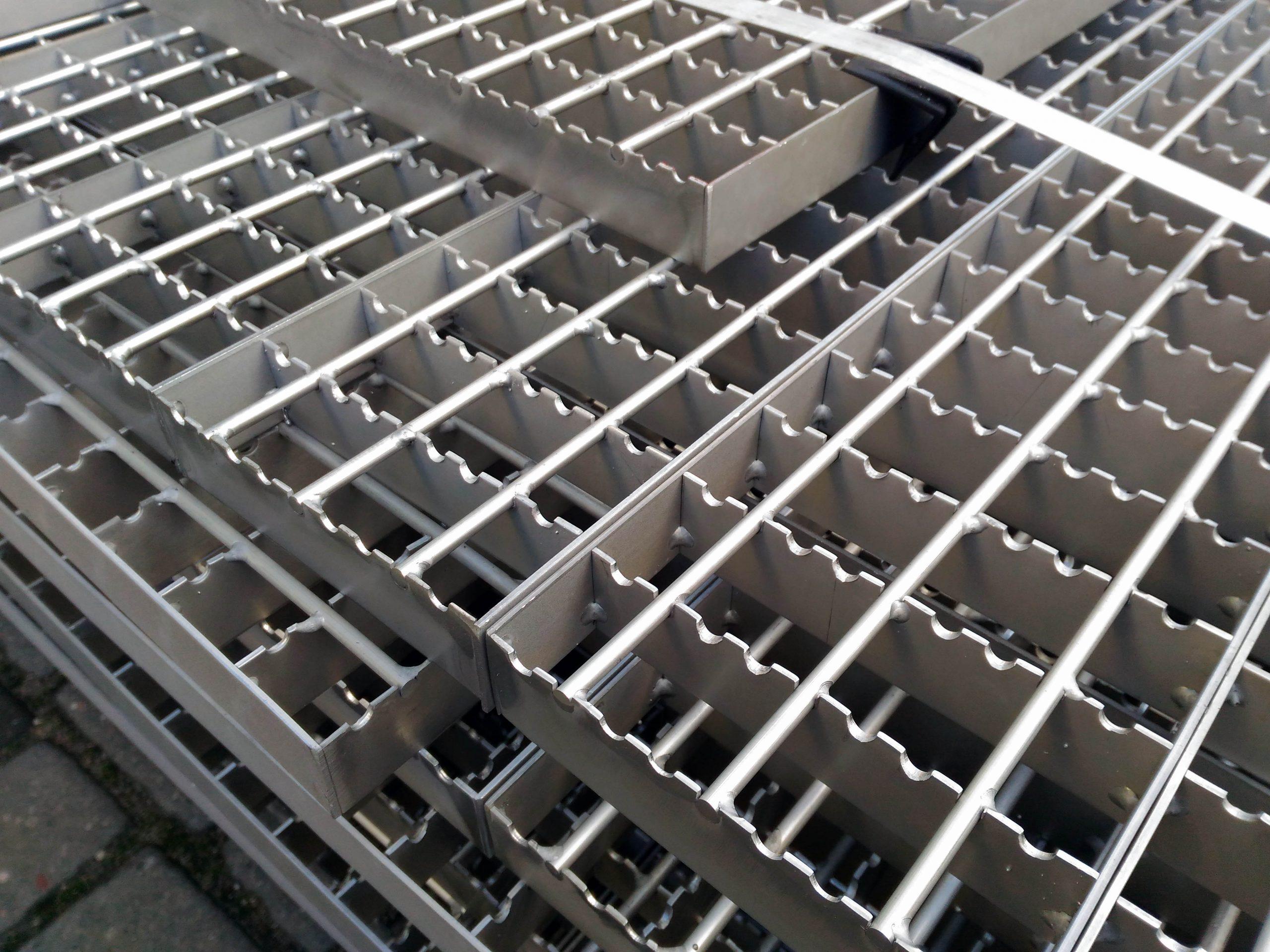 Kraty pomostowe serrated nierdzewne